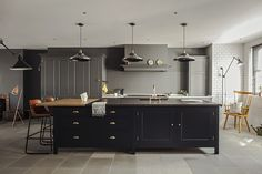 Plain English | Classical Bespoke Kitchen - Greenwich 1