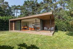 Moderne tuinkantoren - houten bijgebouwen op maat. Project Thomas Vanderveken.