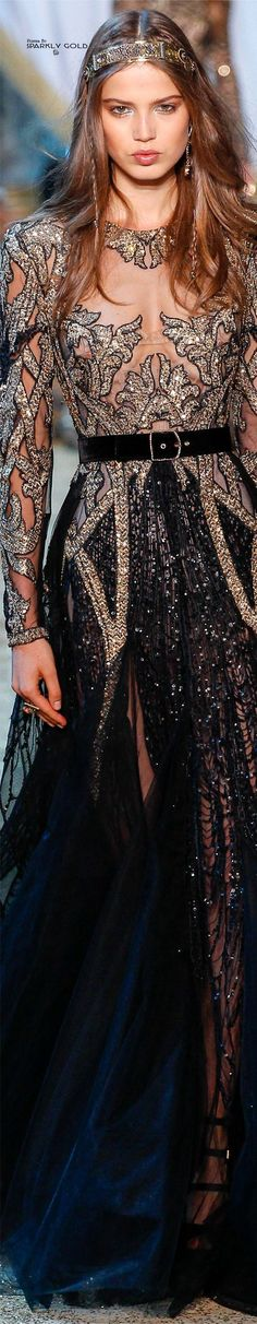 Fall 2017 Haute Couture: Black and gold coruscating long sleeved opulent Elie Saab gown Elie Saab Couture, Couture Fashion, Runway Fashion, Fashion Fall, Street Fashion, Modelos Fashion, Elie Saab Fall, Mode Style, Couture Dresses