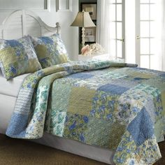 5pc Country Cottage Floral Paisley Blue Green Cotton Quilt Set w. Pillows - Beautiful cottage style #blue green bedding