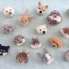 Sewing Animals Check out These Amazing Pom-Poms - OK, this really has nothing to do with knitting, but I think we can all appreciate yarn art in whatever form it takes, right? And these animal pom-poms are definitely tiny works of art. Pom Pom Animals, Felt Animals, Crochet Animals, Crochet Toys, Pom Pom Crafts, Yarn Crafts, Felt Crafts, Cute Crafts, Diy And Crafts