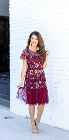Beautiful Floral Sequin Dress. #holidaydress #holidayparty #holidays   Gorgeous Floral Sequin Holiday Dress. Christmas Dress. Sparkle Dress for Christmas. Gianni Bini Dress. Burgundy Dress for the Holidays.