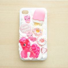 Make a super cute decoden phone case with this tutorial!