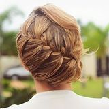 I do sweeping plaits but I'd need help to make this happen.