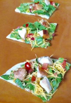 Keeping it simple is key during the summer. With busy camp schedules getting everyone to sit down for a meal can be tricky. Try making these easy and delicious chicken and veggie tacos from Make Ahead Meals for busy cooks. Veggie Tacos, Veggie Pizza, Lunch Snacks, Lunches, Personal Pizza, Good Food, Fun Food, Make Ahead Meals, Yum Yum Chicken