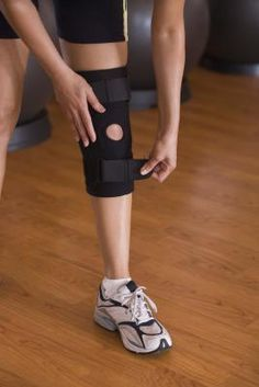 How to Exercise With Bad Knees and Knee Braces