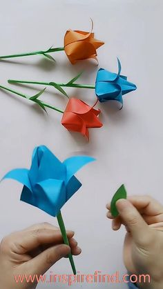 Origami Flowers Discover Beautiful tulips for you! Paper Flowers Craft, Paper Crafts Origami, Paper Crafts For Kids, Flower Crafts, Simple Paper Crafts, Paper Origami Flowers, Easy Origami Flower, Paper Folding Crafts, Diy Crafts Hacks