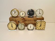 Vintage Clocks as Table numbers - set the time to match the table number - good for a 12 table event...