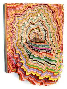 Sculpture papier de Jen Stark Comparable à une carte en relief, ouvrant de nouveaux paysages