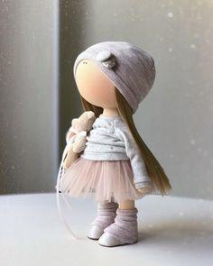 Нежная малышка в наличии ❗️ИНТЕРЬЕРНАЯ игрушка❗️ПО ВСЕМ ВОПРОСАМ В ЛИЧКУ ПОЖАЛУЙСТА‼️ #мастеркласс#мк#кукла#куклаизткани#кукланазаказ#подарок#декор#куклавподарок#кукланазаказ#кукларучнойработы#куклатильда#шеббишик#ручнаяработа#интерьернаяигрушка#игрушку#тильда#ткань#выставка#decor#tilda#интерьернаякукла#текстильнаякукла#хендмейд#стильныеаещи#decor#текстильнаякукла#интерьернаякукла#москва#дети#кукласочи#сочи