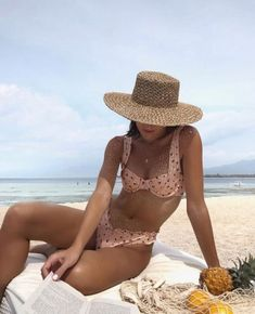 Breaking from the daily grind helps to clear your mind 🔆 in the Peony Melon Soft Balconette bikini ~ Online now 💗 Cute Bikinis, Cute Swimsuits, Summer Bikinis, Summer Girls, Hot Girls, Outfits Plus Size, Cute Bathing Suits, Crochet Bathing Suits, Bathing Suit Top