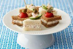 Hyvä sandwich tarvitsee mehevän täytteen. Tässä ohjeessa voilevät täytetään katkaravuilla ja ne voi tarjota kolmioleipinä tai pienempinä cocktailpaloina. http://www.valio.fi/reseptit/katkarapusandwichit/