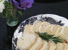 Rosemary Lemon Shortbread from Rue Lemon Cookies, Shortbread, Tea Time, Sweet Treats, Food Porn, Veggies, Sweets, Cheese, Baking