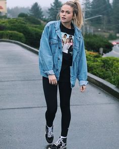 just posted my new video! link in my bio (can u tell I like my denim jacket?) The post just posted my new video! link in my bio (can u tell I like my denim jacket?) appeared first on Best Jeans. Mode Outfits, Jean Outfits, Fall Outfits, Fashion Outfits, Cute Jean Jacket Outfits, Denim Jacket Outfit Summer, Girls Denim Jacket, Summer Jacket, Blue Jean Jacket