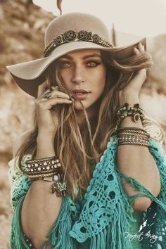╰☆╮Boho chic bohemian boho style hippy hippie chic bohème vibe gypsy fashion indie folk the . ╰☆╮ - The latest in Bohemian Fashion! These literally go viral! Hippie Chic, Hippie Style, Style Indie, Mode Hippie, Gypsy Style, Bohemian Girls, Bohemian Mode, Bohemian Style, Bohemian Clothing