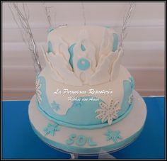 Torta con forma castillo de Elsa la princesa de Frozen.