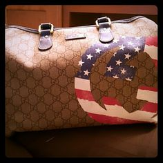Authentic Gucci The USA Gucci Bag still like new only carried a few times no wear and tear or scratches Gucci Bags Totes
