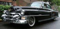 Restaurar y manejar un coche de los 50's