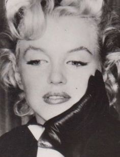 Marilyn at a press conference for Bus Stop at the LA Airport Lounge, February 25, 1956.
