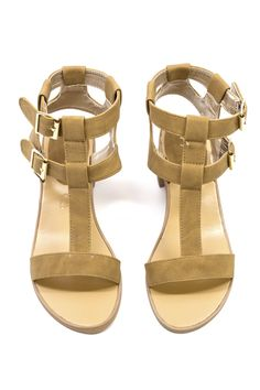Spring into Summer early with these cute sandals! www.mooreaseal.com