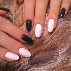 Winter nails #knittednails #winternails #mondaymani #gelnails #gelmani #hybryda #xmasnails #sweaternails