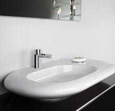 COLLEZIONE FUNTANIN  QUOTIDIANA BELLEZZA Con il suo nome vezzeggiativo, la collezione Funtanin riflette tutta l'armonia di un design che richiama forme semplici che rimandano alla quotidianità e alla natura. Elegante e moderno, nonchè tecnologico, Funtanin è perfetto per ogni tipo di bagno