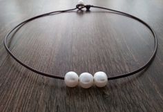 Gargantilla de cuero y perlas cultivadas de agua por CaneladePlata