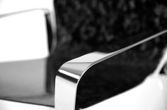 This detailed view presents the steel profile finishing as a mirror.