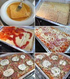 Este pastel de pan de molde estilo pizza es un plato perfecto para reuniones, sobre todo si hay niños. Los ingredientes los puedes combinar a tu gusto.