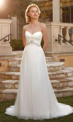Casablanca 2041: buy this dress for a fraction of the salon price on PreOwnedWeddingDresses.com