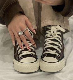 Dr Shoes, Swag Shoes, Cute Shoes, Me Too Shoes, Shoes Pic, Trendy Shoes, Shoes Style, Shoes Heels, Aesthetic Shoes