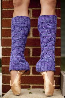 Moira's Legwarmers pattern by Lisa Beth Houchins Moira's Legwarmers - knitting pattern. Dress up your legwarmers with a fancy-looking, but relatively simple butterfly stitch. These are perfect for dance, yoga, ice skating, and accessorizing. Loom Knitting, Knitting Socks, Knitting Patterns, Crochet Patterns, Crochet Leg Warmers, Knit Or Crochet, Butterfly Stitches, Simple Butterfly, Knit Picks