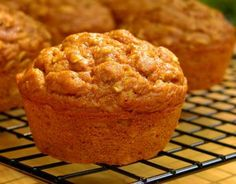 Low-Fat Oatmeal Pumpkin Spice Muffins