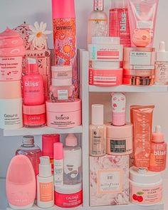 Beauty Care, Beauty Skin, Panda's Dream, Rose Oil, Moisturizer For Dry Skin, Skin Routine, Healthy Skin Care, Face Skin Care, Tips Belleza