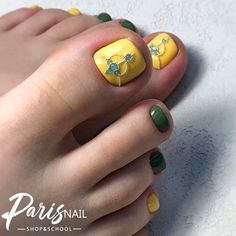 Yellow and Olive Shades For Toes Amazing Toe Nail Colors To Choose For Next Green Nail Designs, Square Nail Designs, Toe Nail Designs, Beautiful Nail Designs, Green Toe Nails, Black Toe Nails, Yellow Nails, Summery Nails, Summer Toe Nails