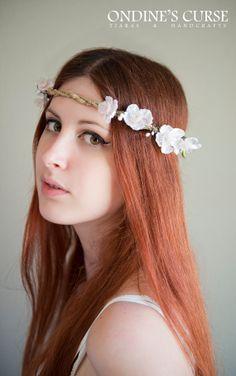 Sylvan Spring  Tiara circlet garland wreath white por OndinesCurse, €15.00 wedding flower crown celtic medieval boho woodland