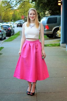 [ Vancouver Vogue blog ] Pretty in pink summer outfit: crop top, cute bow heels thrifted from @saversvvillage, pink midi skirt, @nobisandgrey statement necklace