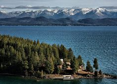 2019 Fabulous Flathead Lake, Montana - was very choppy when we saw it. Big Sky Montana, Montana Lakes, Montana Ranch, Places To Travel, Places To See, Flathead Lake Montana, Big Sky Country, Vacation Spots, Beautiful Landscapes