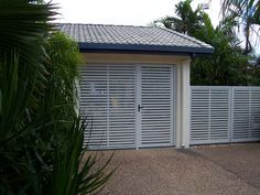 COLORBOND® STEEL carport screen and gates with slats in Windspray®! Gate style for side of carport!