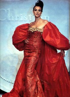 We can see how they replicate the medieval fashion. Christian Dior by Gianfranco Ferre aw 1992