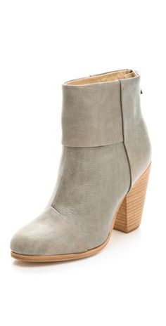 Rag & Bone Classic Newbury Booties in grey - oh, if I had five hundred dollars to spend on a pair of shoes! Bootie Boots, Shoe Boots, Ankle Boots, Fall Booties, Grey Booties, Crazy Shoes, Me Too Shoes, Love Fashion, Fashion Shoes