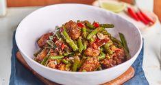 Szecsuáni csirke zöldbabbal | Street Kitchen Kung Pao Chicken, Ratatouille, Meat Recipes, Green Beans, Main Dishes, Chinese, Lunch, Vegan, Vegetables