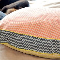 Customized cotton-linen dog bed