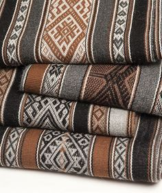 Traditional contemporary weavings, Peru Weaving Patterns, Textile Patterns, Alpaca Scarf, Native Design, Floor Cloth, Textiles, Baby Alpaca, American Art, Handicraft