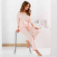 La douceur du rose poudré et du modal pour ce pyjama raffiné Blancheporte