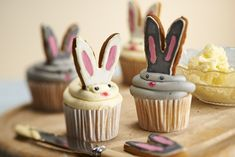 How to Make Rabbit Cupcakes #Rabbit #EasterBunny #Cupcakes
