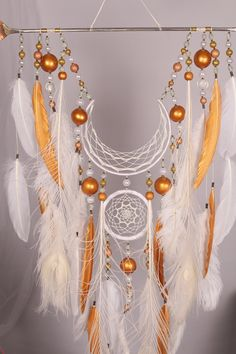 Have The Wedding Of Your Dreams With These Simple Tips Dream Catcher Decor, Dream Catcher White, Dream Catcher Boho, Dreamcatcher Design, Crochet Dreamcatcher, Fun Crafts, Diy And Crafts, Arts And Crafts, Unique Wedding Gifts