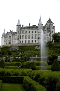 Dunrobin Castle -  Scotland                                                                                                                                                                                 Mehr