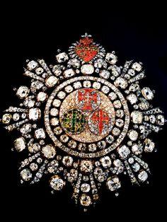 Gran Cruz / placa de las Tres Ordenes de Portugal, montado en oro y plata, diamantes, brillantes, rubis, esmeraldas, que perteneció a la Reina María I y a su sucesor Juan VI de Portugal; 1789.