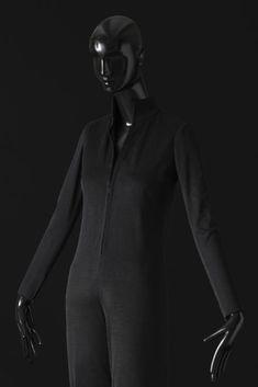 Tenue réalisée pour Zizi Jeammaire en 1968.  Photographie de Sophie Carre.  Document Musée Yves Saint Laurent.